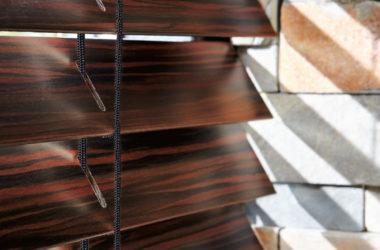 Dřevěné žaluzie Luxaflex
